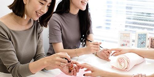 入学資格20歳以上 少人数制・フリータイム制